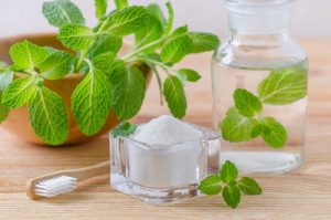 how to make salt water rinse after tooth extraction